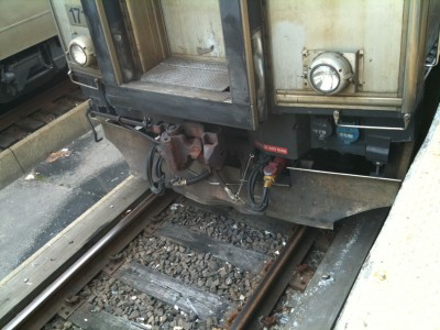 MBTA_commuter_car_headend.agr